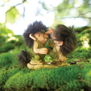 Nyform Trolls, Kissing Couple